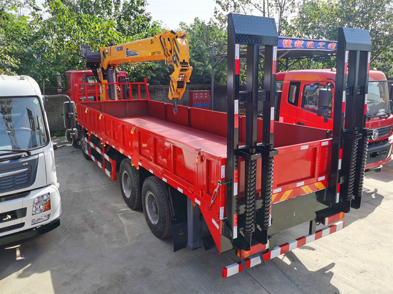 G系列徐工14吨随车吊,陕汽德龙前四后八随车吊