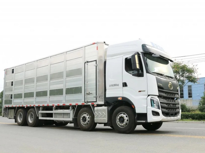 柳汽国六畜禽运输车全国首发