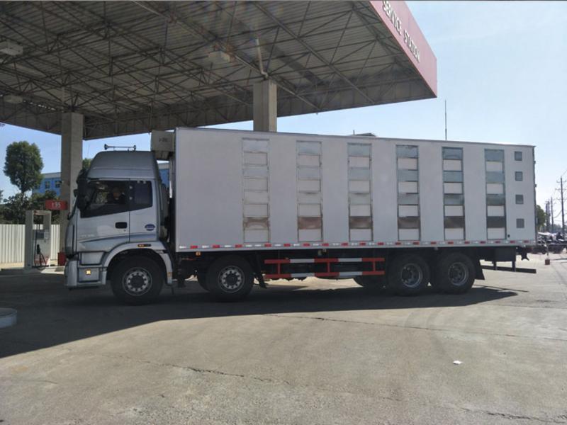 9.5米欧曼拉猪车厂家报价 畜禽运输车