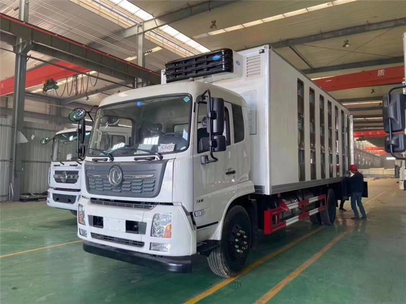 程力专汽畅销车型国六东风天锦6米8运猪车