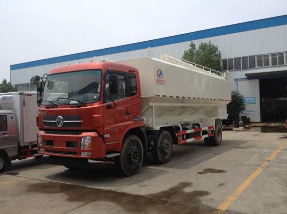 厂家供应15吨天锦小三轴散装饲料车图片