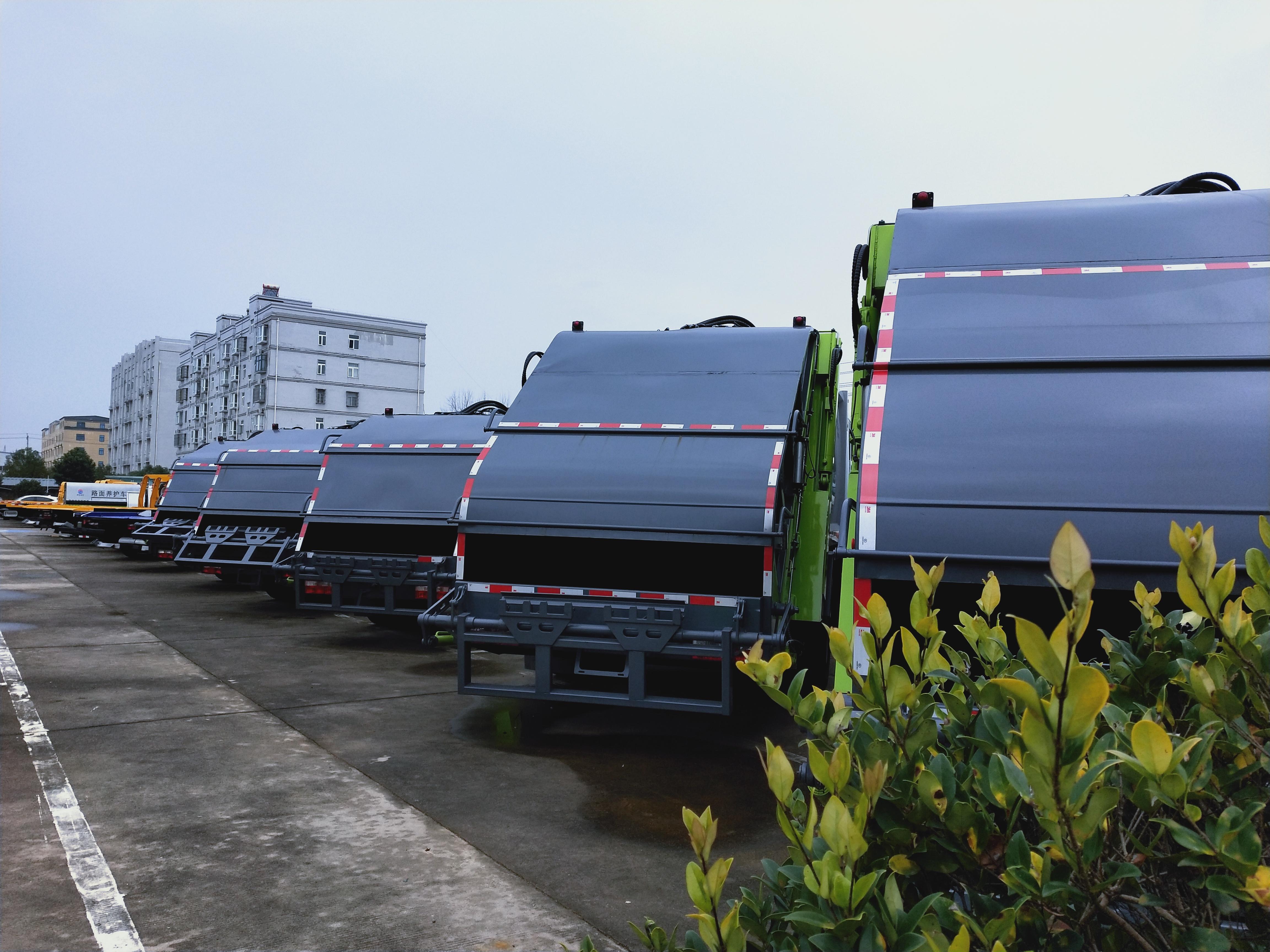 后装挂桶压缩垃圾车价格福田14方挤压垃圾运输车厂家介绍视频图片