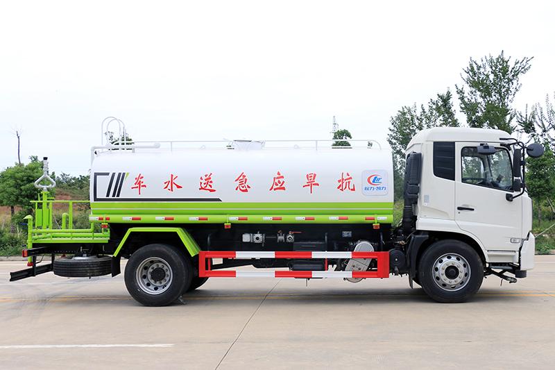 东风天锦14吨洒水车