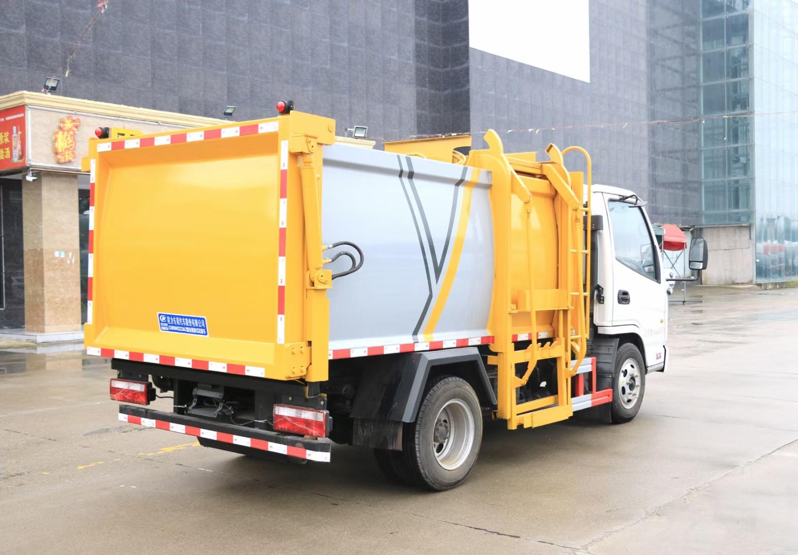 掛桶垃圾車工作視頻視頻
