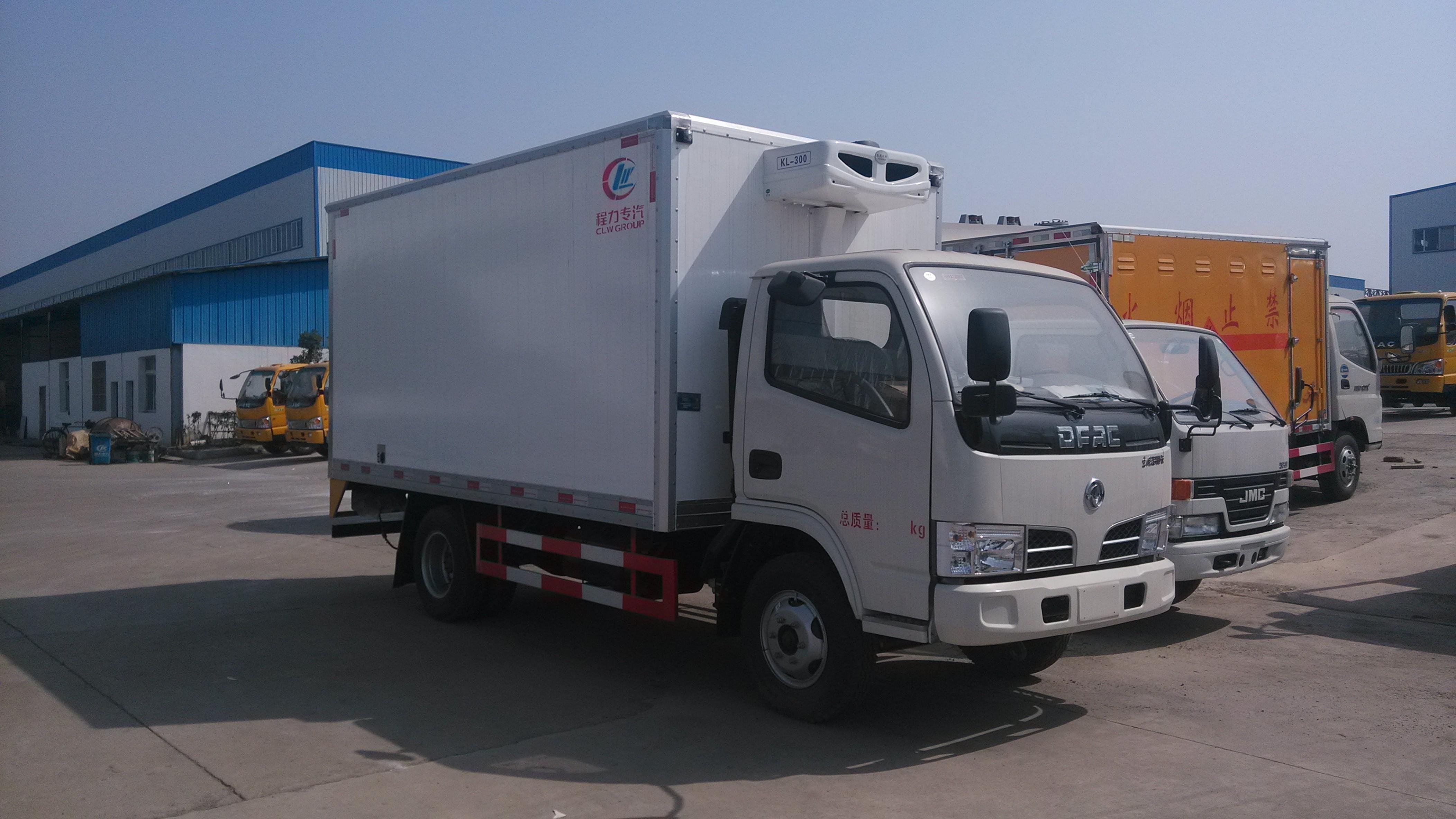 国六东风多利卡4.2米冷藏车5万元起图片