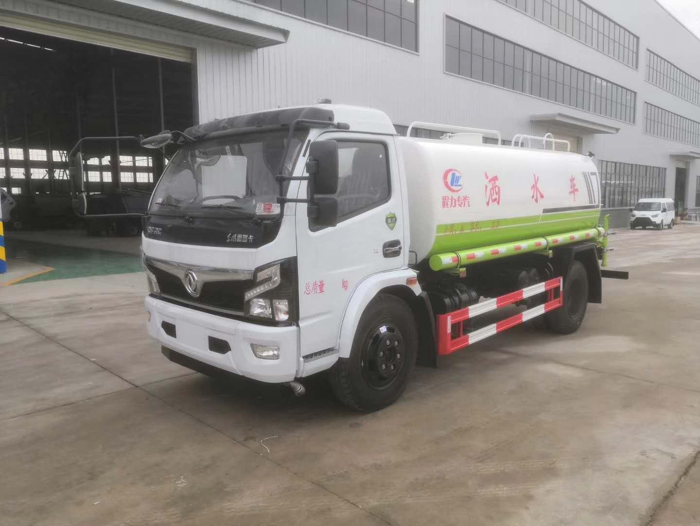 国六东风9吨洒水车价钱图片
