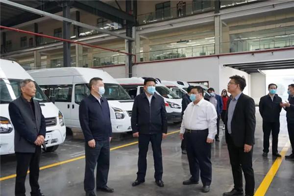 国家卫健委副主任、国务院医改委副主任王贺胜视察程力汽车集团