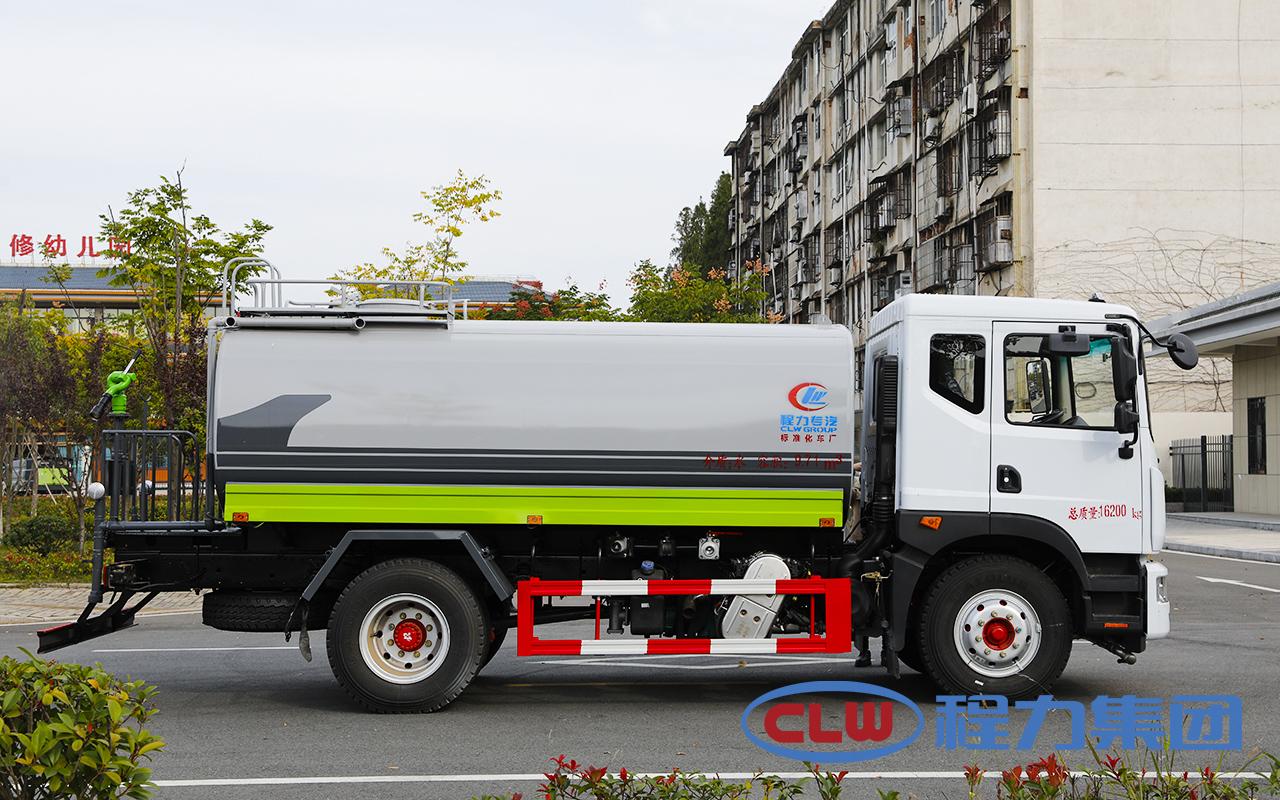 国六12吨东风D9洒水车