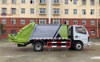 D6压缩垃圾车图片