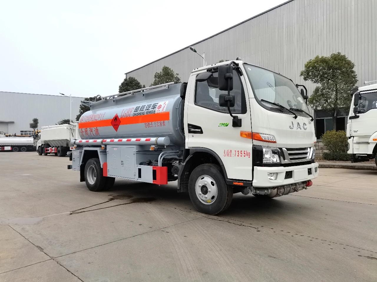 江淮国六五吨油罐车视频