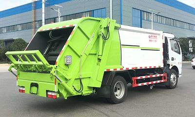 8方压缩式垃圾车用什么品牌好,可以配三角斗吗
