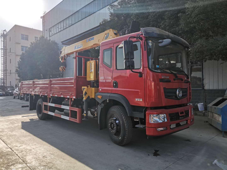 东风6.3吨随车吊货箱5.1米/5.7米