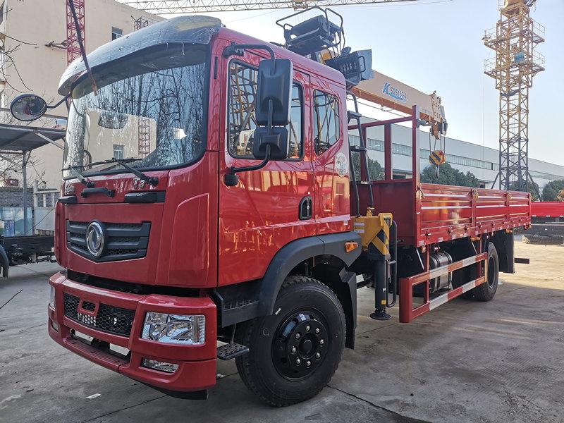 东风原厂新款T3徐工6.3吨随车吊货箱5.1米