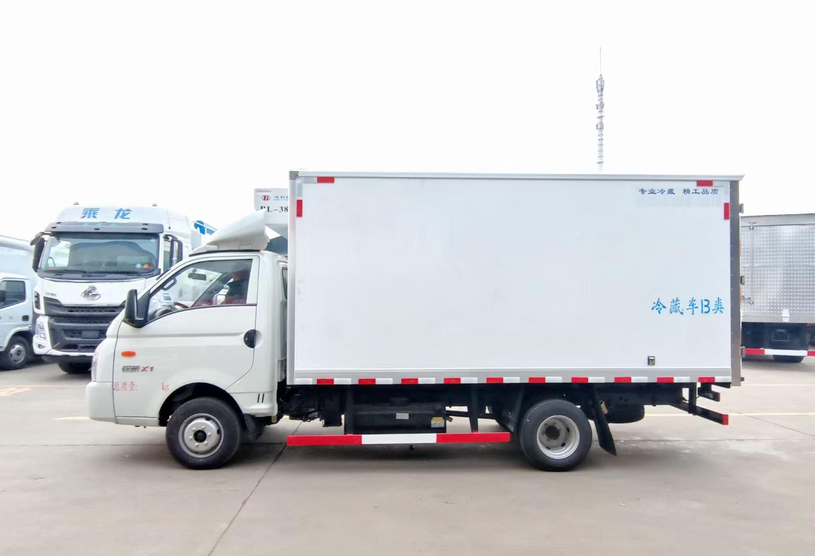 凯马国六汽油蓝牌冷藏车厂家直销,方便灵活穿越大街小巷图片