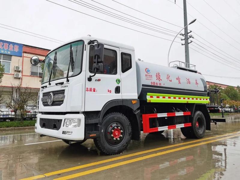 湖南客户订购国六东风D9/12方洒水车一台