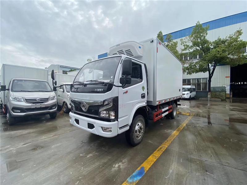 国六东风福瑞卡F6 4米2冷藏车