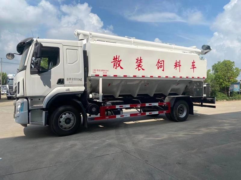 东风柳汽国六10吨散装饲料车多少钱一辆