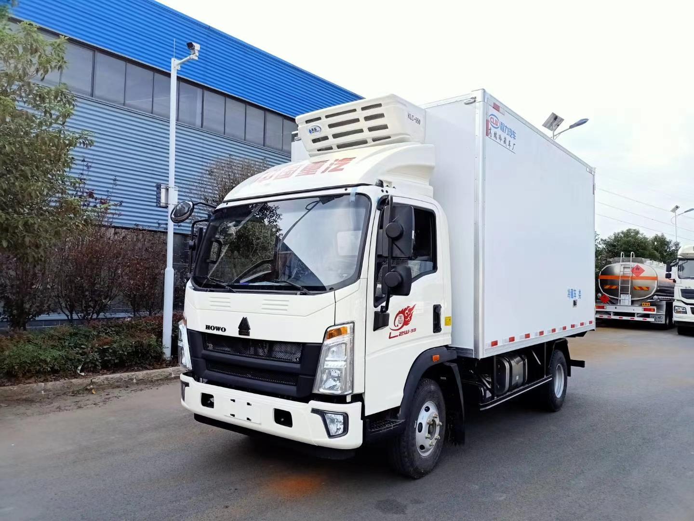 国六重汽豪沃4.2米冷藏车