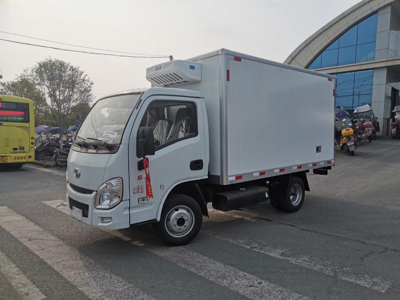 国六跃进小福星S70冷藏车3.5-3.7米