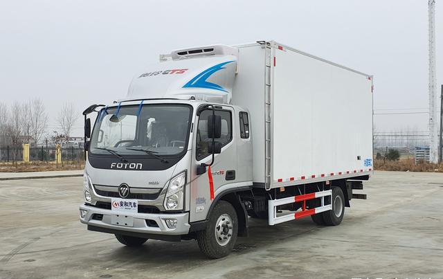 福田奥铃CTS5米1排半冷藏车