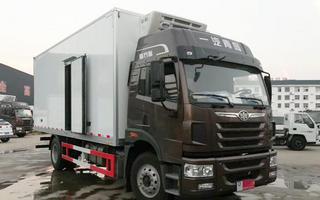 一汽解放龙VH冷藏车6米8图片