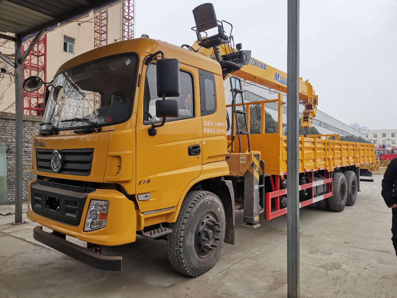 东风专底12吨随车吊工程黄