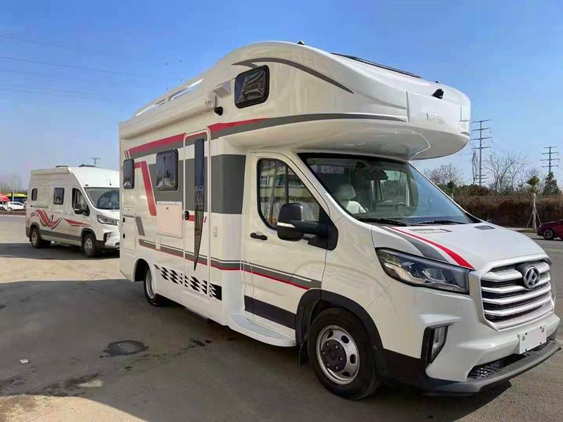 新款国六大通V90C型房车-6AT自动挡高端配置6座6卧