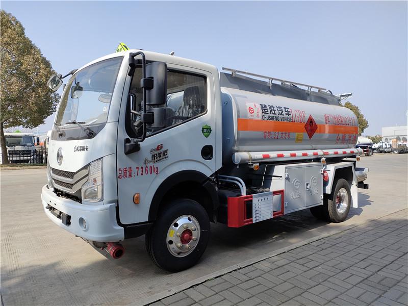 楚胜牌国六东风多利卡5.2方加油车参数 5吨油罐车厂家图片