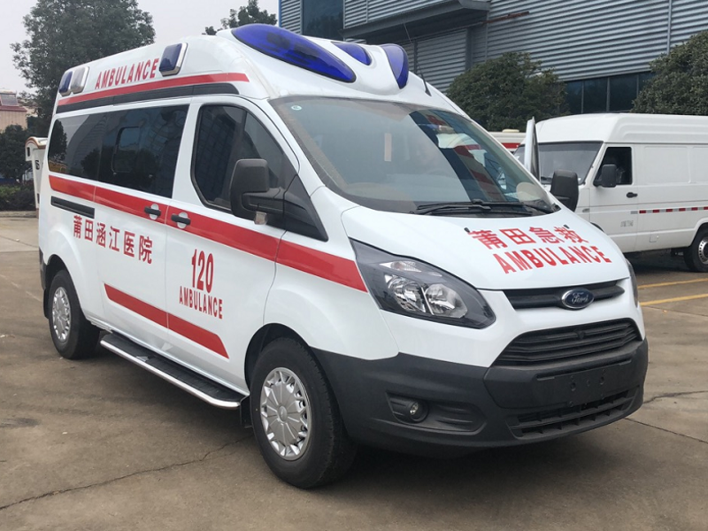 牛年第一天上班发车5台监护型V362负压救护车