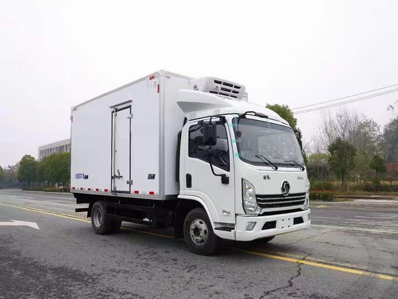 陕汽德龙国六130马力冷藏车厂家直销图片