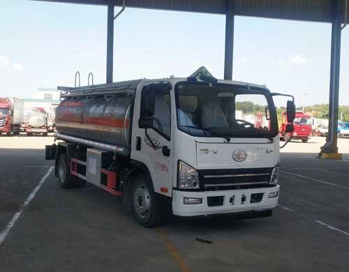 解放8吨油罐车,厂家新款热销,可分期,送货上门视频