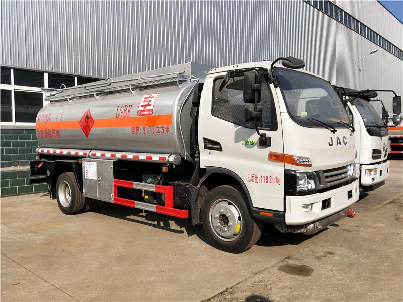 国六江淮油罐车 高端江淮骏铃8吨油罐车 9.75方加油车厂家