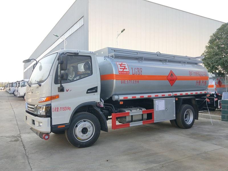 国六江淮8吨油罐车厂家 江淮骏铃9.75方加油车参数 视频视频