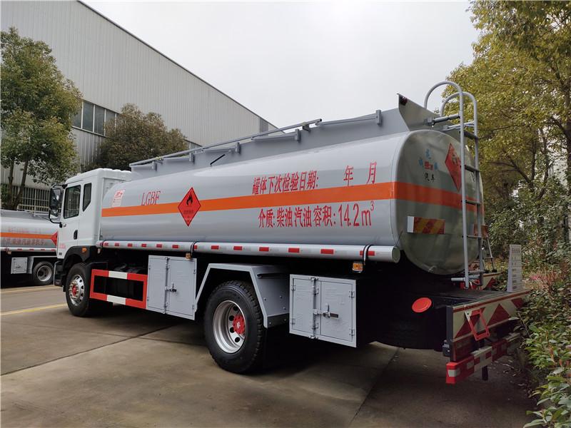 楚飞牌东风D9大多利卡14.2方运油车 单桥15吨油罐车视频视频