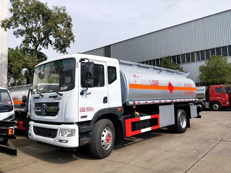 楚飞牌CLQ5181GYY5型运油车10-14吨油罐车视频视频