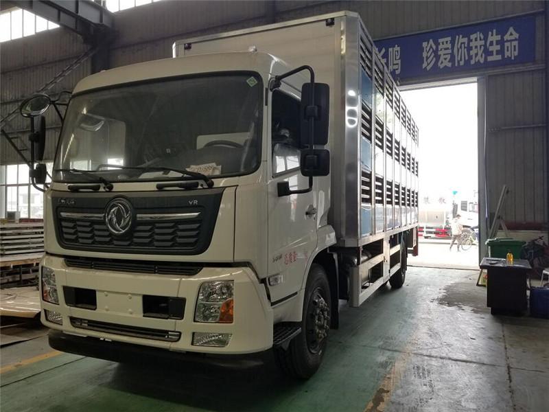 7.4米东风天锦禽畜车程力厂家直卖图片