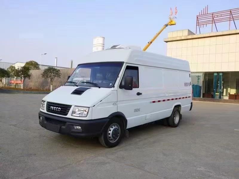 国六南京依维柯面包式冷藏车(长轴版)