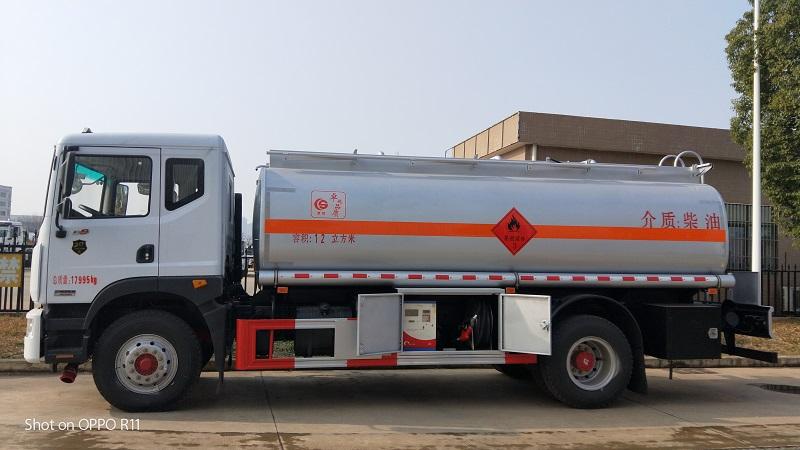 全新8方东风大福瑞卡油罐车厂家品质保证图片