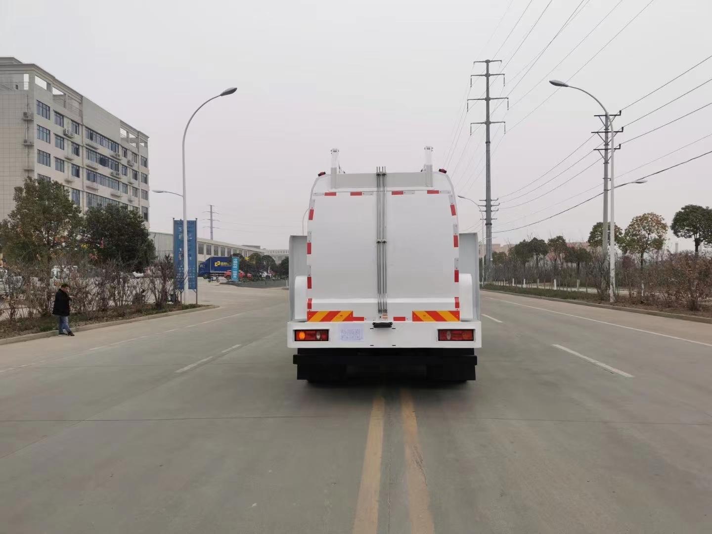 东风天锦餐厨垃圾车图片