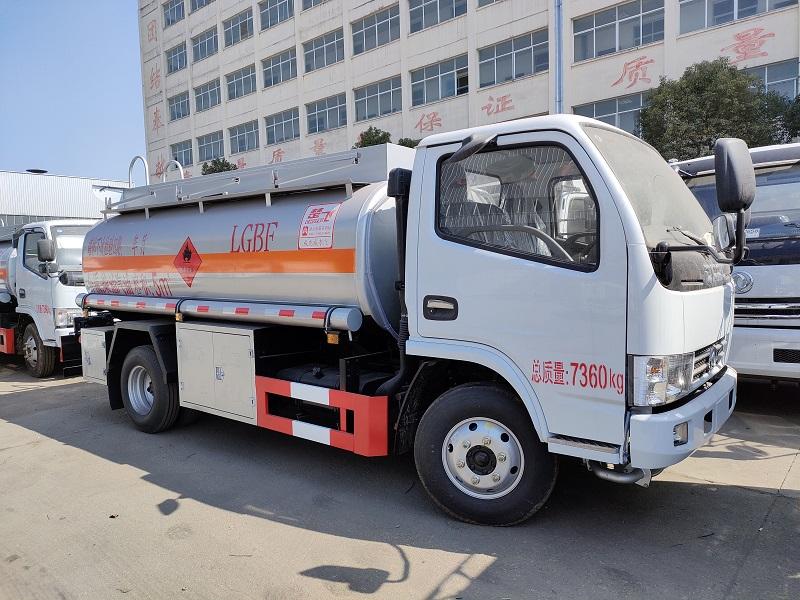 东风5吨油灌车厂家批发 玉柴115马力 手续齐全5吨加油车送车到家