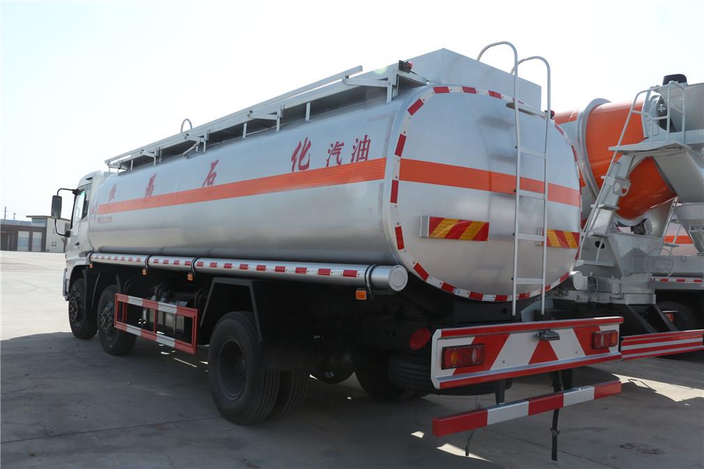 20方东风天锦小三轴油罐车高配低费用