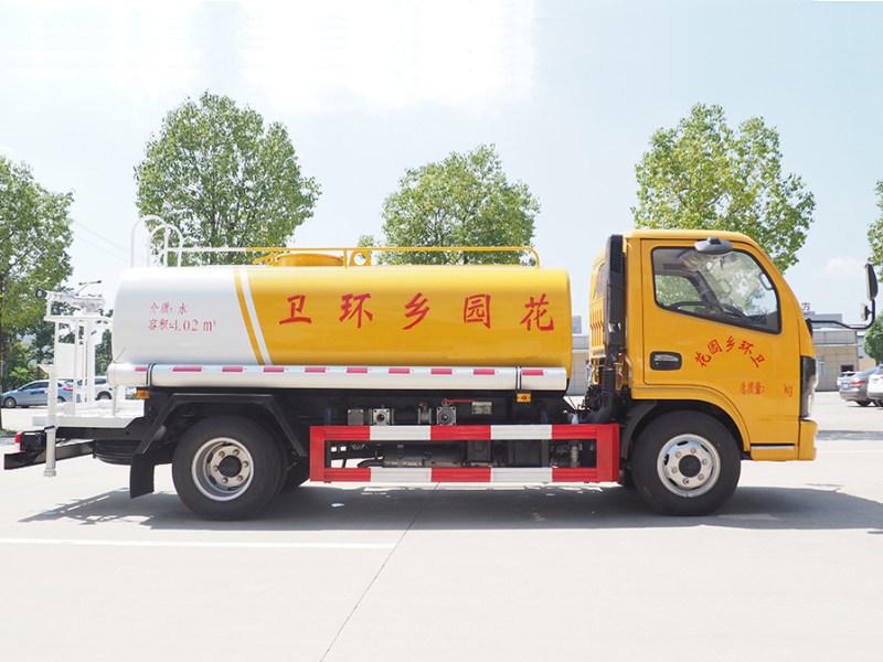 国六东风多利卡洒水车图片