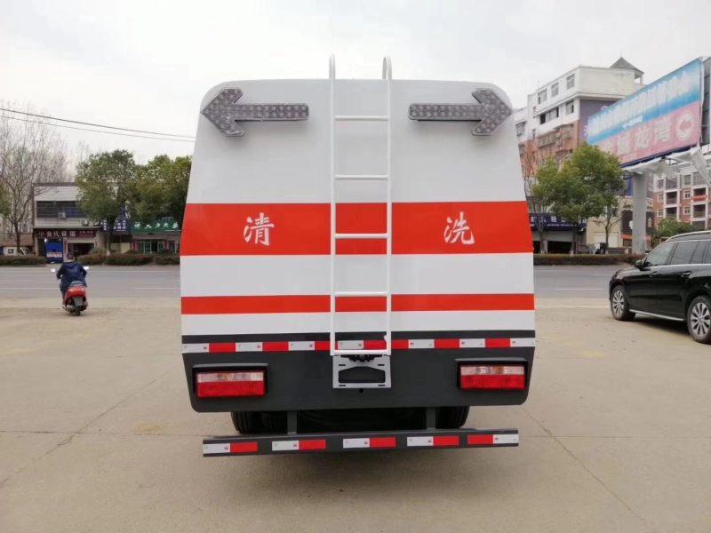 国六东风4方城市护栏清洗车图片