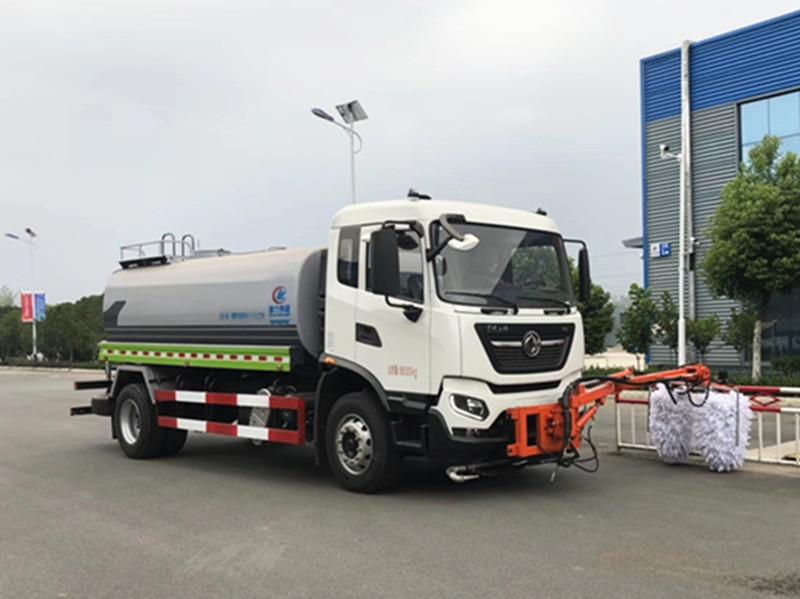 国六东风天锦高速护栏清洗车图片