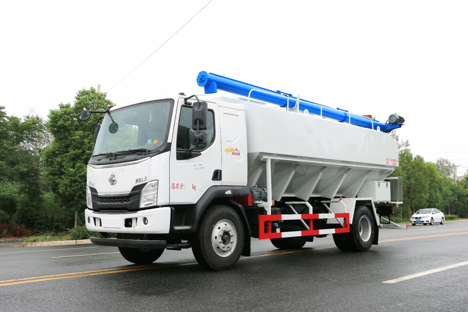 國六柳汽10噸20方散裝飼料運輸車