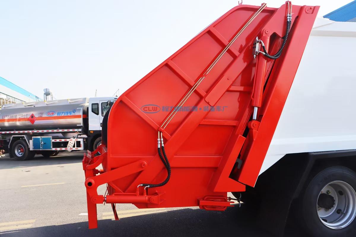 東風D6多利卡3308壓縮垃圾車圖片