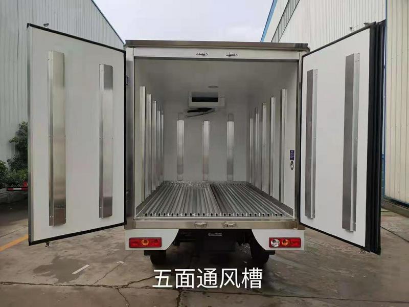 冷藏车焦妍介绍冷藏运输车箱体可以改装成多样,各有各的用处