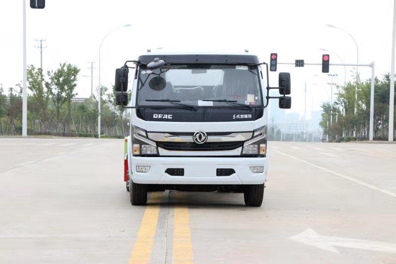 东风华神T3洒水车视频