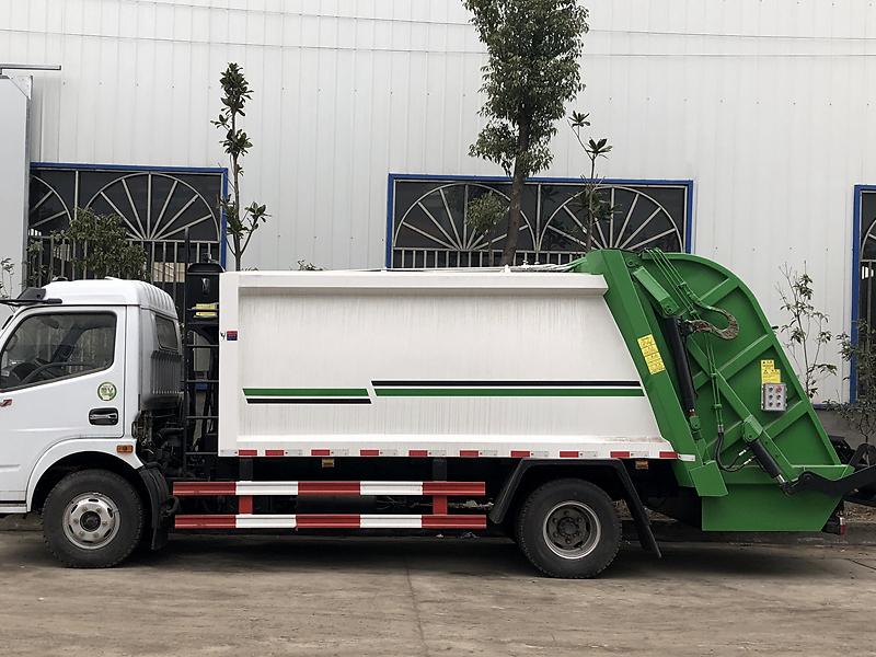 東風5噸壓縮式垃圾車詳細配置圖片