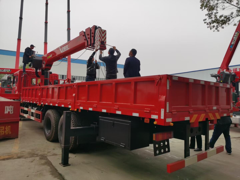 东风12吨随车吊报价图片